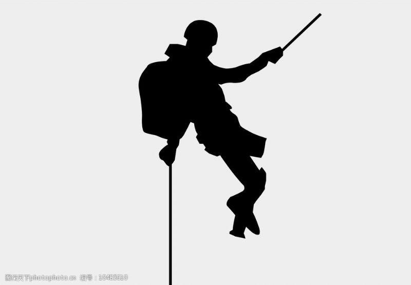 登山的男人攀岩剪影登山图片