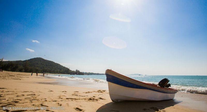 蓝色脚印三亚海滩图片