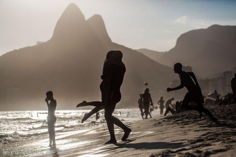 人物高清图片海边阳光